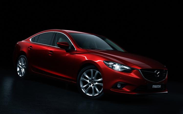 Названы российские цены новой Mazda6