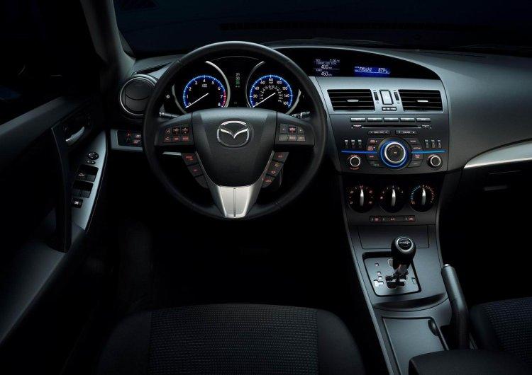 Салон обновленной Mazda3 уже не секрет